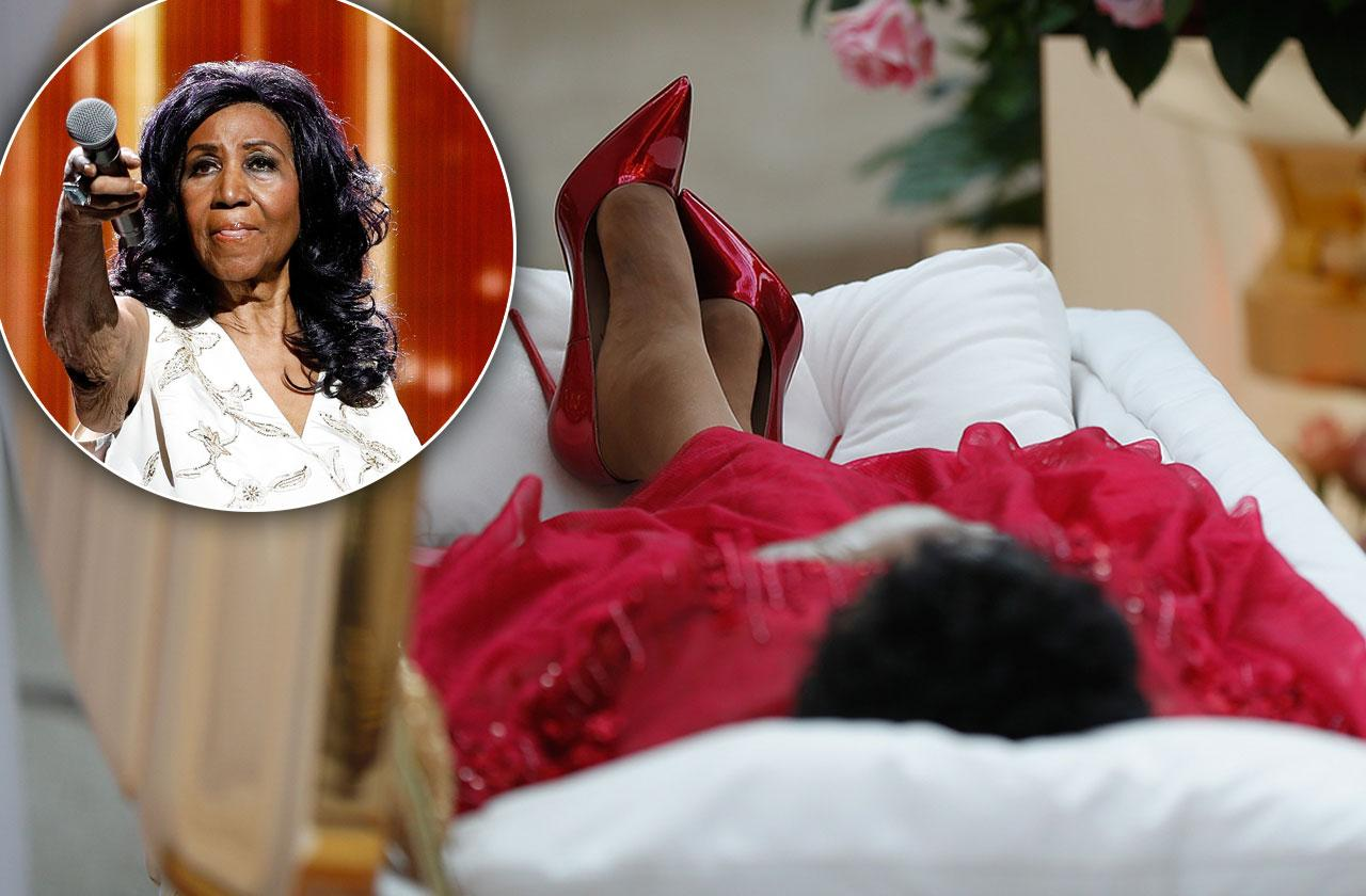 Aretha Franklin Body Coffin