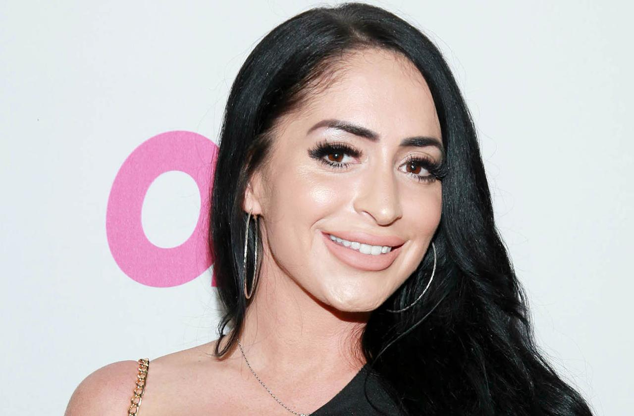 angelina pivarnick part time cast member jersey shore family vacation