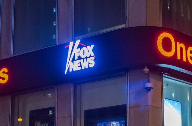 //fox news racism lawsuit pp