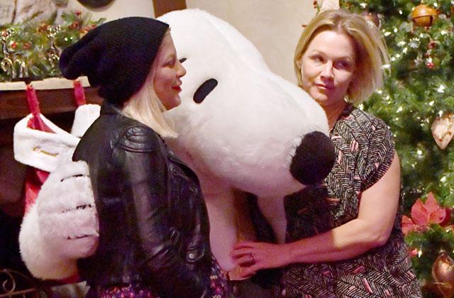 Jennie Garth Tori Spelling Reunit 90210 Reunion Pics