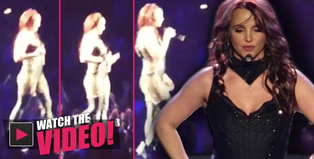 //britney spears forgets to sing into mic as vocal track plays on during vegas show plagued by reports of lip synching
