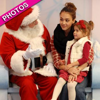 //jessica alba honor santa claus beverly center