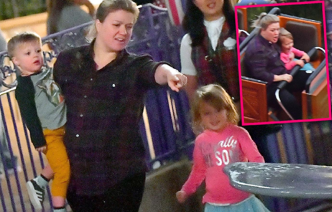 Kelly Clarkson Rides Dumbo Amid Talk Of Replacing Megyn Kelly