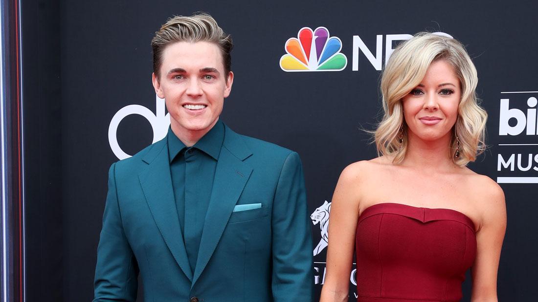 Jesse McCartney and Katie Peterson Billboard Music Awards