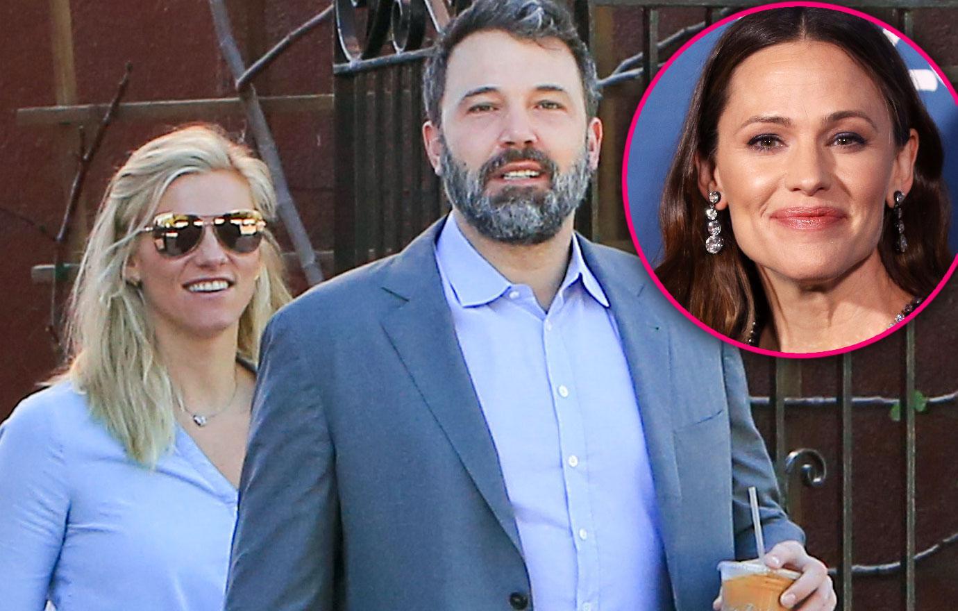 Ben Affleck Reunites With Lindsay Shookus Wedding With Garner