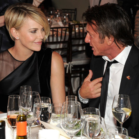//charlize_theron_sean_penn_square
