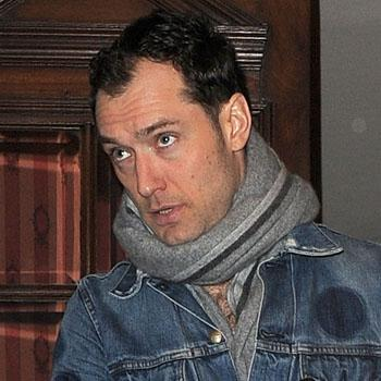 Jude Law Lawyers In Phone Hacking Case Tell Actor Family Member Got Paid To Spill His Secrets