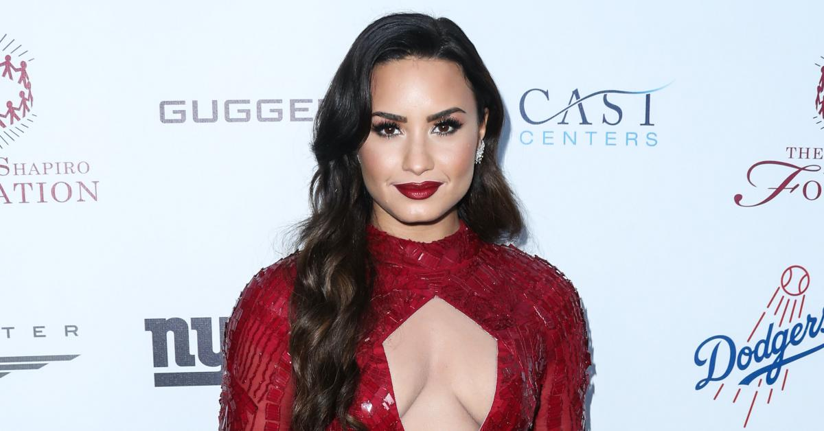 demi lovato comes out pansexual