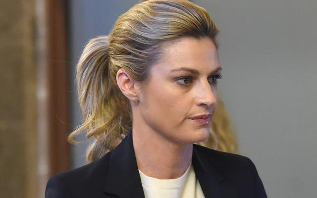Erin Andrews Cries Naked Video Trial