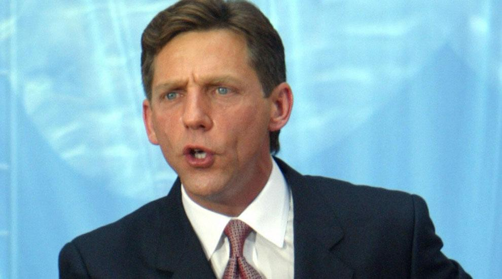 //father scientology leader david miscavige writing tell all book
