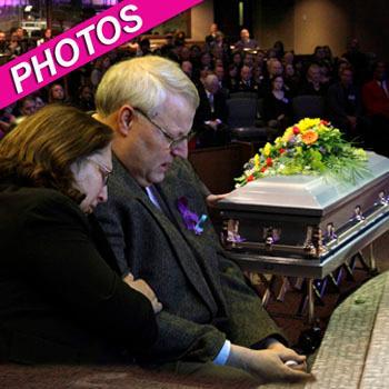 //pp_joshpowell_funeral