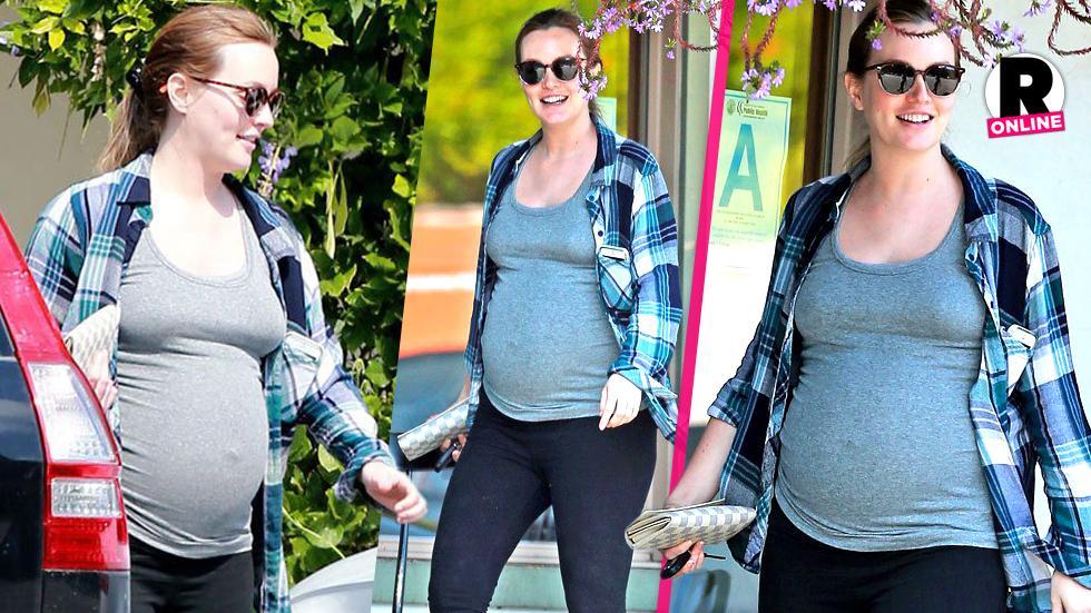 Leighton Meester Pregnant New Baby Bump Photos