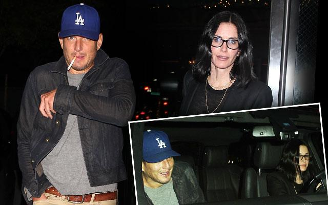 //courteney cox single will arnett dating rumors