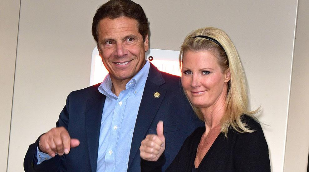 //sandra lee surgery leaves hospital