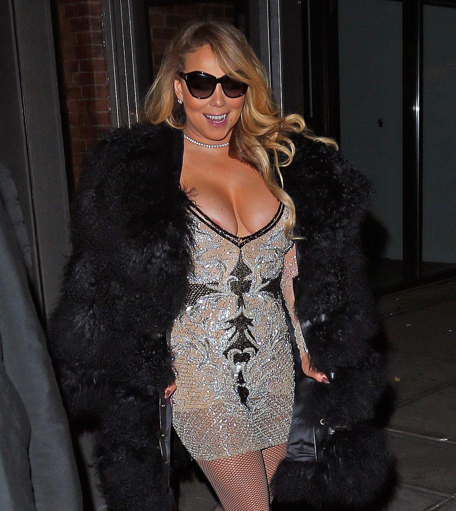 Mariah Carey has a wardrobe malfunction on TV - Mirror Online
