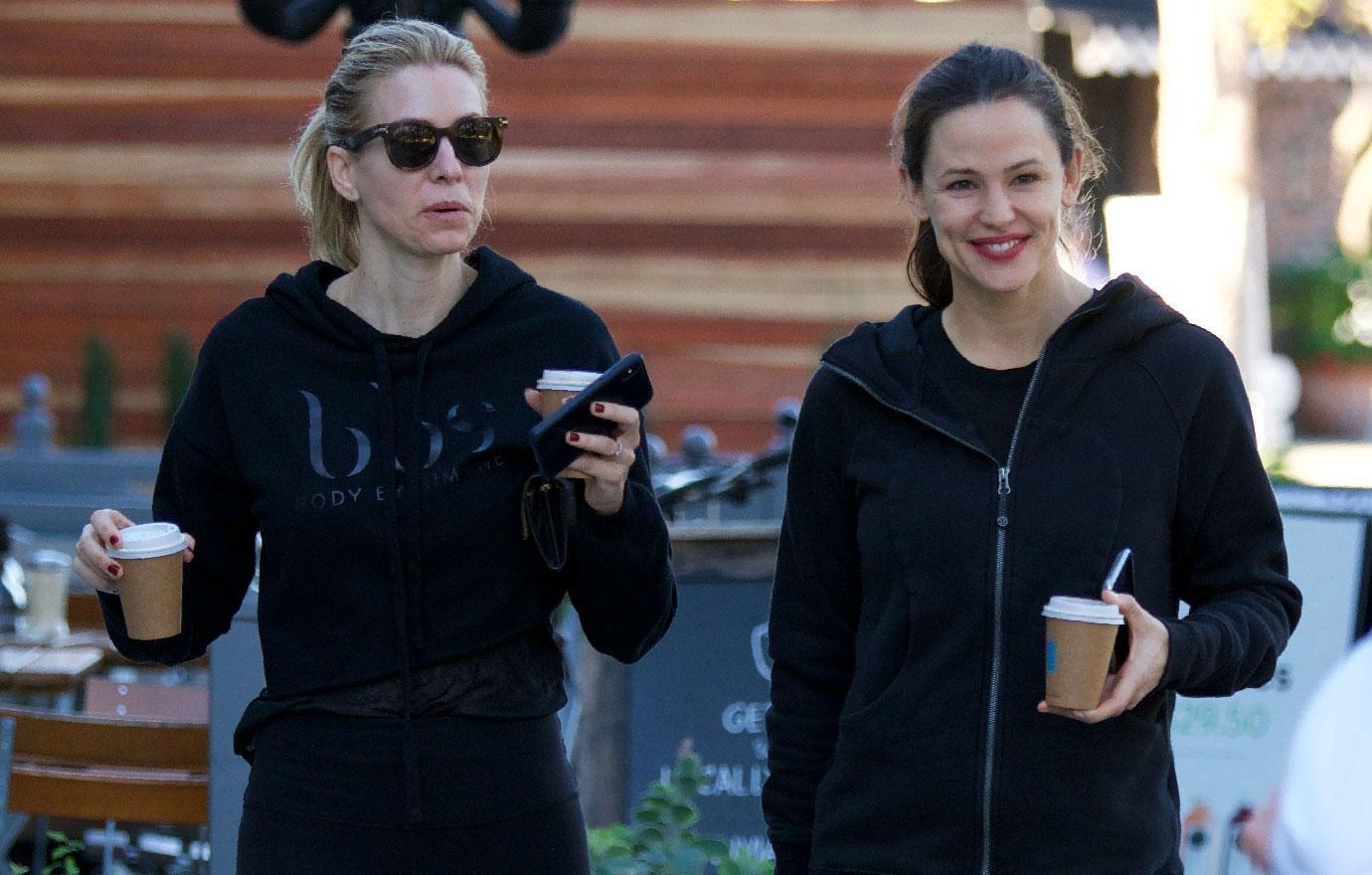 Jennifer Garner Grabs Coffee After Gym Session