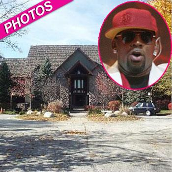 //r kelly chicago house sale