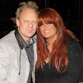 //wynonna judd husband amputate leg