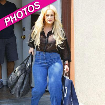 //lacey schwimmer jeans