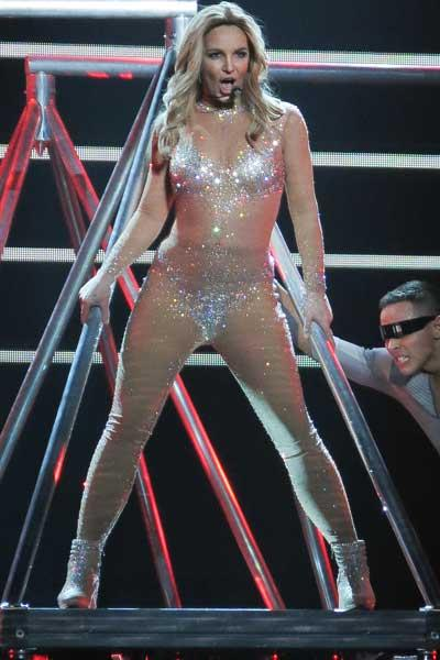 //costume changes celebs britney spears opening las vegas show