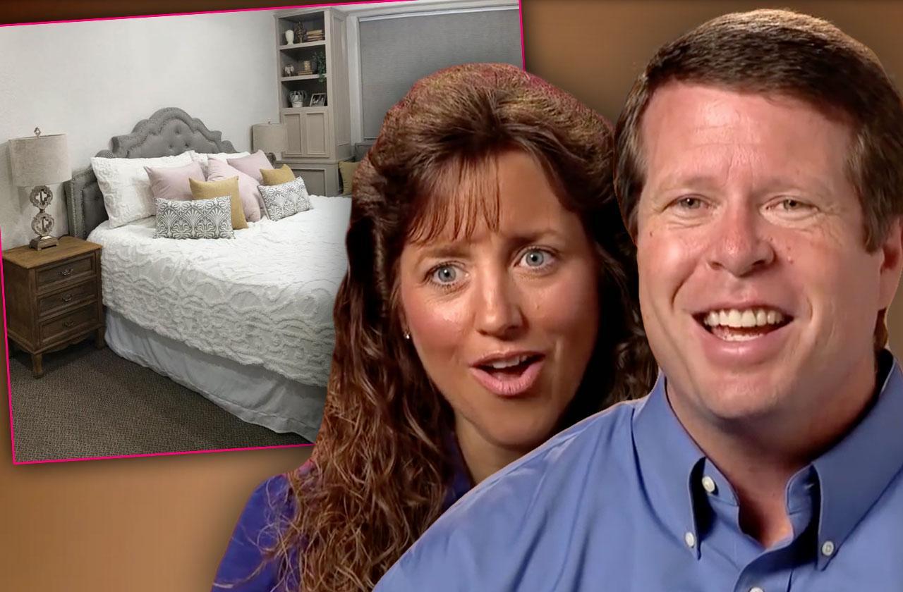 jana duggar exposes jim bob michelle love nest photos