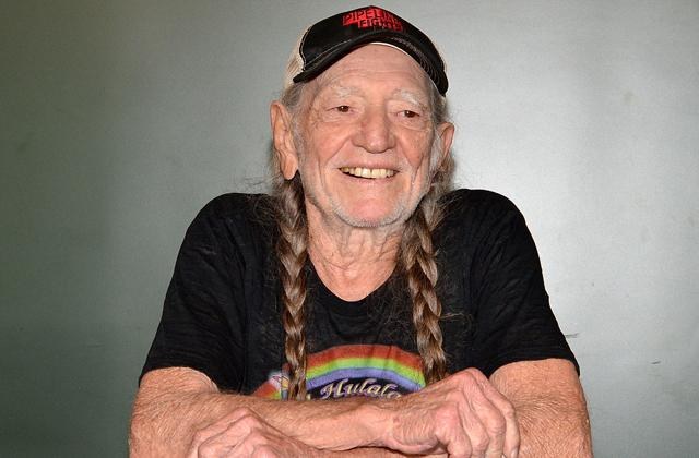 willie nelson weed breathing issues
