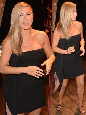 //jen aniston black dress preggo_tall