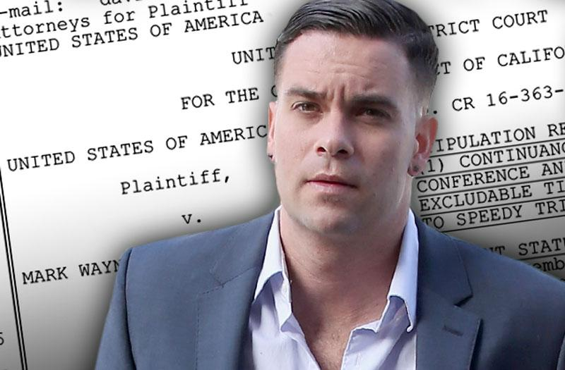 //mark salling glee child porn trial postponed plea deal