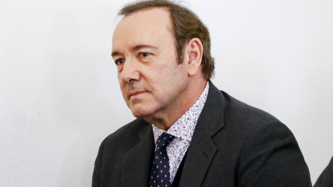 kevin spacey assault case no video surveillance footage club owner claims alleged victims