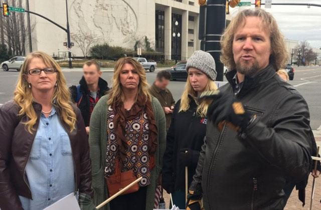 //sister wives kody brown polygamy protest march marriage pp