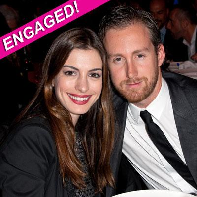 //anne hathaway engaged