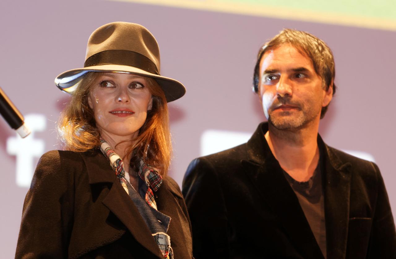 //vanessa paradis marries director samuel benchetrit pp