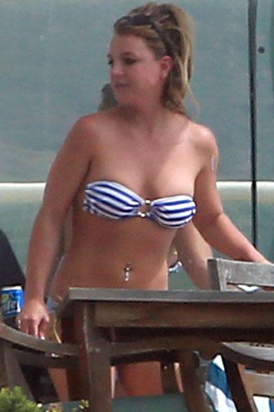 //britney spears bikini pp ffn