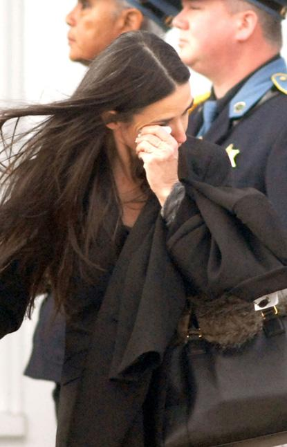 //demi moore crying funeral