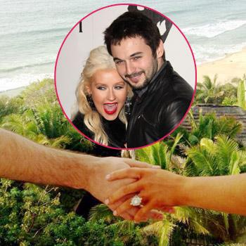 //christina aguilera engaged