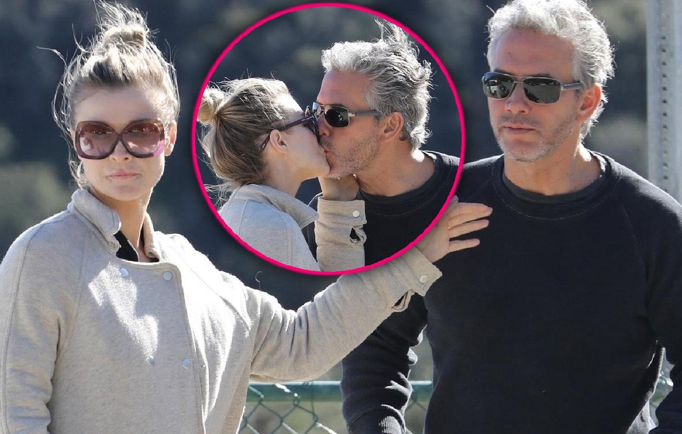 Joanna Krupa Kisses Mystery Man