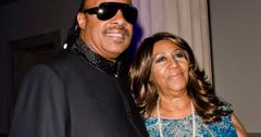 Stevie Wonder Visits Aretha Franklin Hospice