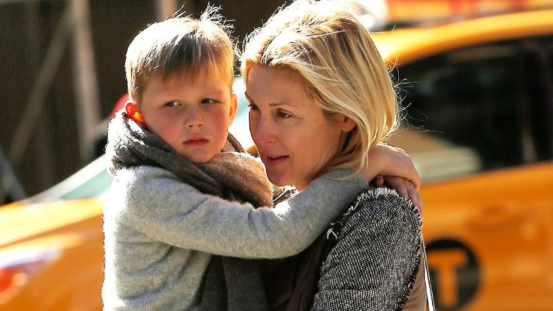 //kelly rutherford and son custody battle