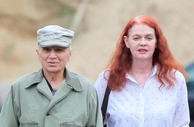 //ex boyfriend of robert blake's future wife warns 'she'll know to get out before it's too late pp