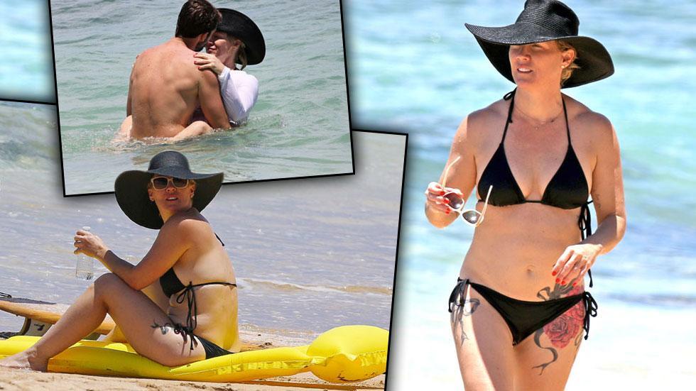 Jennie Garth Bikini Hawaii