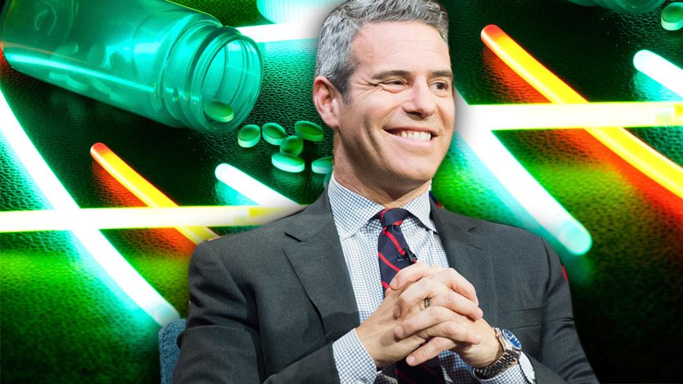 //andy cohen admits to taking molly on howard stern