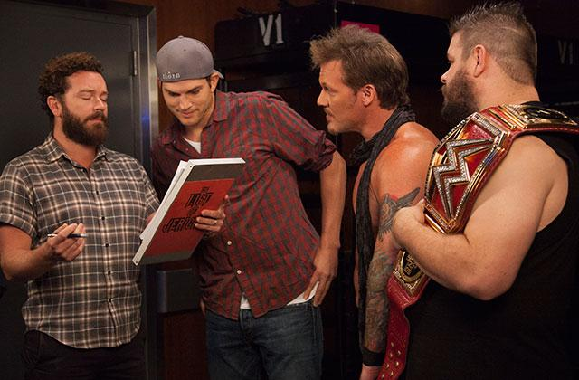 //ashton kutcher danny masterson take on monday night raw