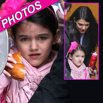 //suri cruise reuinited mom