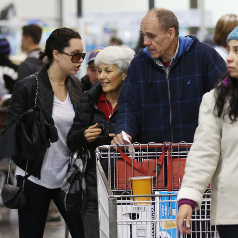 //amanda_bynes_parents_costco