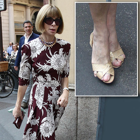 //anna_wintour_feet_square_splash