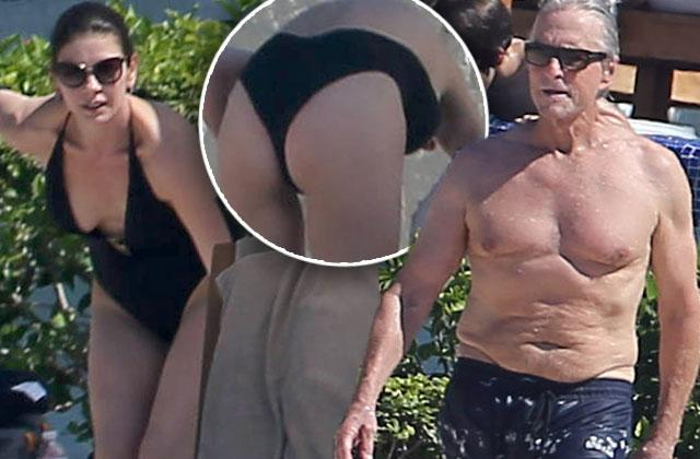 Michael Douglas Catherine Zeta Jones Naked Bikini Butt Mexico Pics
