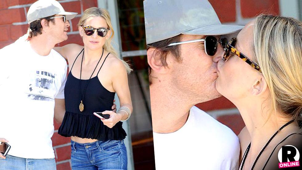 Kate Hudson Kissing Brother On Lips