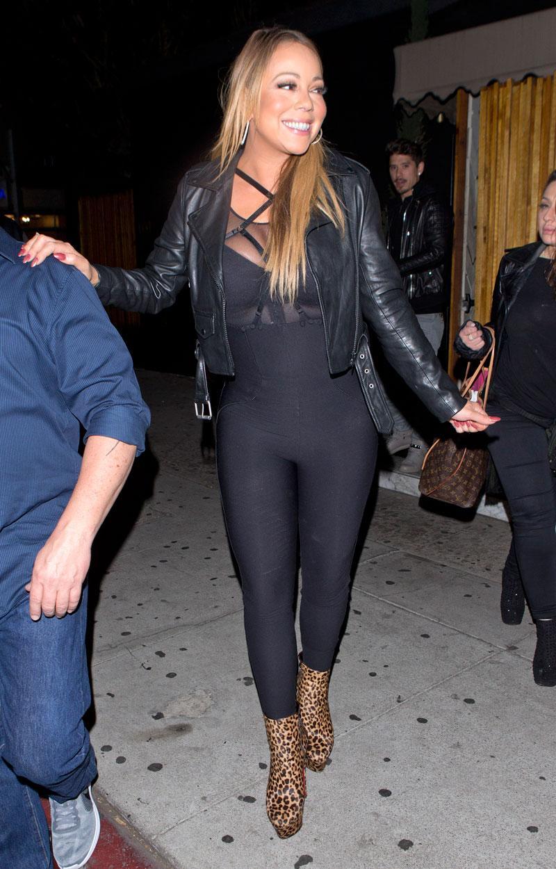 Bare Booty Alert: Makeup-Free Kim Kardashian Suffers