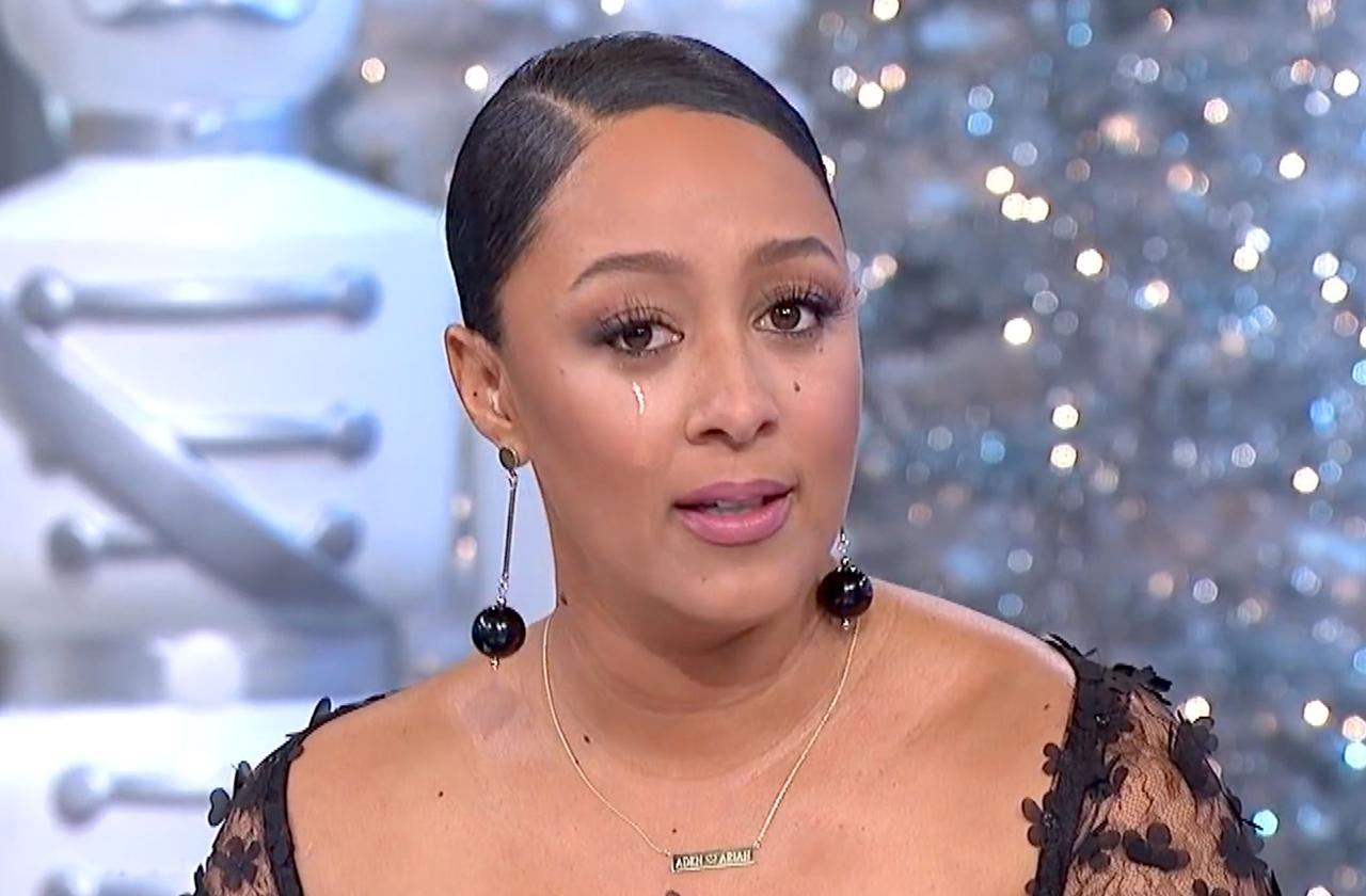 //tamera mowry cries more family death pp