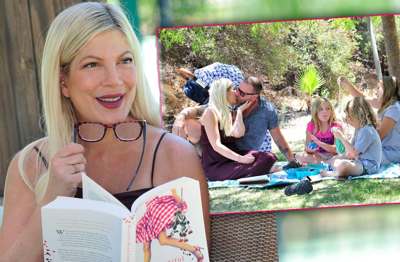 Tori Spelling And Dean McDermott Reunite For Picnic